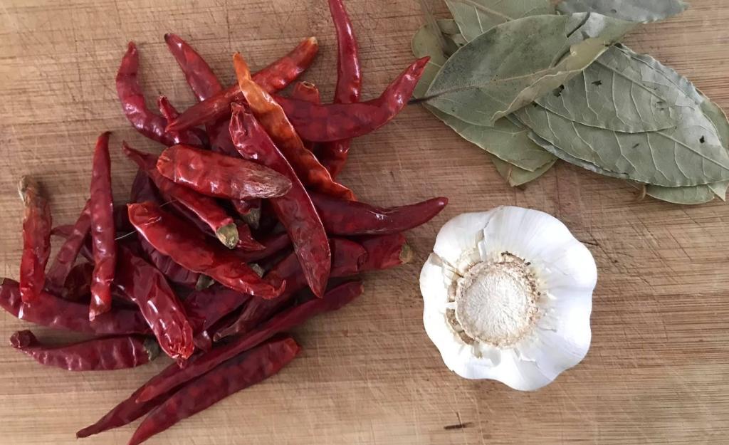 ingredientes para salsa de los tacos de borrego
