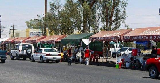 Carretas en la estacion de ferrocarril de mexicacli